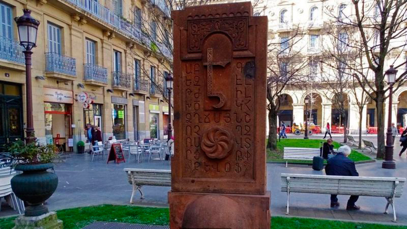 Euskera y el Armenio